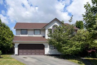Photo 1: 20063 49A Avenue in Langley: Langley City House for sale : MLS®# R2366602