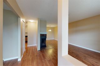Photo 3: 2127 SADDLEBACK Road in Edmonton: Zone 16 Carriage for sale : MLS®# E4158509
