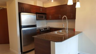 """Photo 5: 904 813 AGNES Street in New Westminster: Downtown NW Condo for sale in """"THE NEWS"""" : MLS®# R2375762"""
