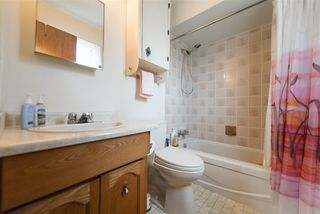Photo 15: 933 E 51ST Avenue in Vancouver: South Vancouver House for sale (Vancouver East)  : MLS®# R2376458