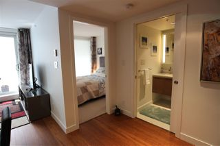 "Photo 4: 1203 777 RICHARDS Street in Vancouver: Downtown VW Condo for sale in ""TELUS GARDEN"" (Vancouver West)  : MLS®# R2380210"