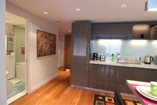 """Photo 3: 1203 777 RICHARDS Street in Vancouver: Downtown VW Condo for sale in """"TELUS GARDEN"""" (Vancouver West)  : MLS®# R2380210"""