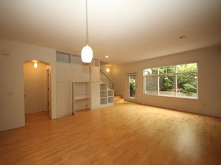 "Photo 3: 5358 LARCH Street in Vancouver: Kerrisdale Townhouse for sale in ""Larchwood"" (Vancouver West)  : MLS®# R2382346"
