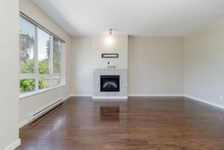 """Photo 3: 101 1125 KENSAL Place in Coquitlam: New Horizons Townhouse for sale in """"KENSAL WALK AT WINDSOR GATE"""" : MLS®# R2384199"""