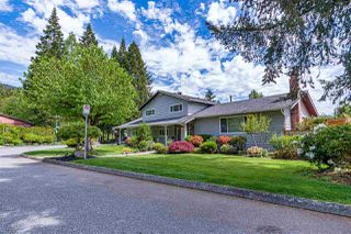 Photo 2: 3240 WILLIAM Avenue in North Vancouver: Lynn Valley House for sale : MLS®# R2455746