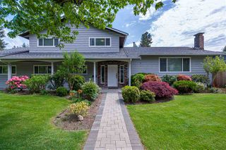 Photo 1: 3240 WILLIAM Avenue in North Vancouver: Lynn Valley House for sale : MLS®# R2455746