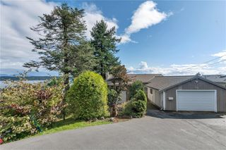 Main Photo: 215 S Alder St in : CR Campbell River Central House for sale (Campbell River)  : MLS®# 856910