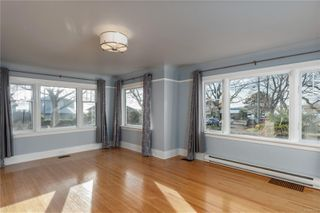 Photo 11: 1642 Hollywood Cres in : Vi Fairfield East House for sale (Victoria)  : MLS®# 861065