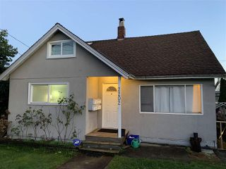 Main Photo: 2202 HAMILTON Street in New Westminster: Connaught Heights House for sale : MLS®# R2528587