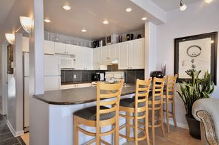 "Photo 3: 305 2588 ALDER Street in Vancouver: Fairview VW Condo for sale in ""BOLLERT PLACE"" (Vancouver West)  : MLS®# V877184"