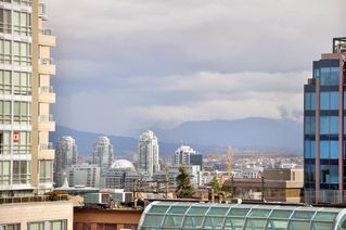 "Photo 10: 305 2588 ALDER Street in Vancouver: Fairview VW Condo for sale in ""BOLLERT PLACE"" (Vancouver West)  : MLS®# V877184"