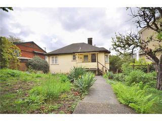 Photo 2: 1275 ESQUIMALT AVE in West Vancouver: Ambleside House for sale : MLS®# V884101