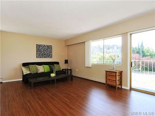 Photo 5: 202 1680 Poplar Ave in VICTORIA: SE Mt Tolmie Condo for sale (Saanich East)  : MLS®# 654377