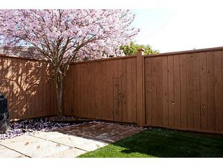 """Photo 12: 86 27272 32ND Avenue in Langley: Aldergrove Langley Townhouse for sale in """"TWIN FIRS"""" : MLS®# F1409011"""