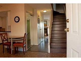 """Photo 3: 86 27272 32ND Avenue in Langley: Aldergrove Langley Townhouse for sale in """"TWIN FIRS"""" : MLS®# F1409011"""