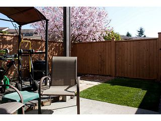 """Photo 11: 86 27272 32ND Avenue in Langley: Aldergrove Langley Townhouse for sale in """"TWIN FIRS"""" : MLS®# F1409011"""