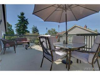 Photo 2: 1140 Vista Hts in VICTORIA: Vi Hillside House for sale (Victoria)  : MLS®# 674525