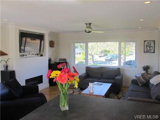 Photo 8: 1875 Rye Pl in SAANICHTON: CS Saanichton House for sale (Central Saanich)  : MLS®# 684224