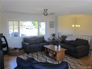 Photo 3: 1875 Rye Pl in SAANICHTON: CS Saanichton House for sale (Central Saanich)  : MLS®# 684224