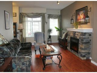 """Photo 2: 66 6852 193RD Street in Surrey: Clayton Townhouse for sale in """"Indigo"""" (Cloverdale)  : MLS®# F1431505"""