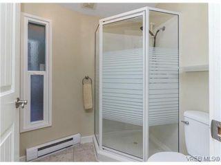 Photo 13: 2706 Richmond Rd in VICTORIA: Vi Jubilee Single Family Detached for sale (Victoria)  : MLS®# 693111