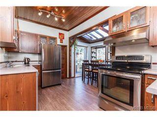 Photo 9: 2706 Richmond Rd in VICTORIA: Vi Jubilee Single Family Detached for sale (Victoria)  : MLS®# 693111