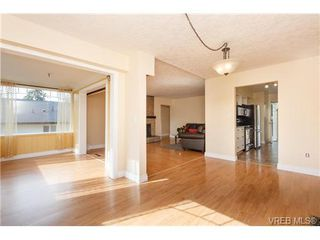 Photo 6: 1126 Loenholm Rd in VICTORIA: SW Northridge House for sale (Saanich West)  : MLS®# 712768