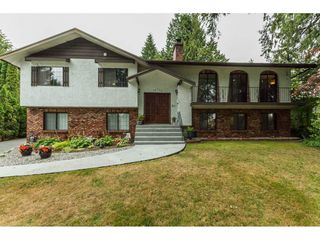 Photo 1: 19750 48 Avenue in Langley: Langley City House for sale : MLS®# R2098843