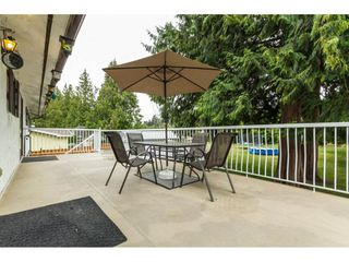 Photo 2: 19750 48 Avenue in Langley: Langley City House for sale : MLS®# R2098843