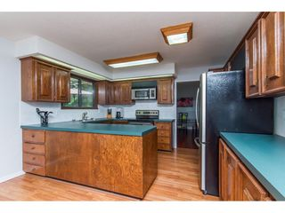Photo 4: 19750 48 Avenue in Langley: Langley City House for sale : MLS®# R2098843