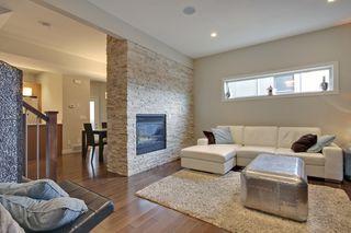 Photo 10: 2 36 Street SW in Calgary: Duplex for sale : MLS®# C3641142