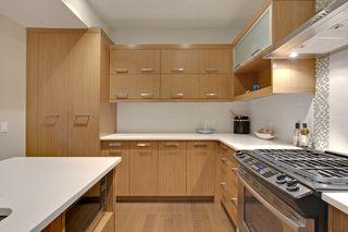 Photo 8: 2 36 Street SW in Calgary: Duplex for sale : MLS®# C3641142