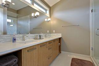 Photo 13: 2 36 Street SW in Calgary: Duplex for sale : MLS®# C3641142