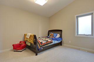 Photo 15: 2 36 Street SW in Calgary: Duplex for sale : MLS®# C3641142
