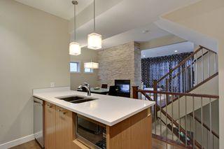 Photo 7: 2 36 Street SW in Calgary: Duplex for sale : MLS®# C3641142