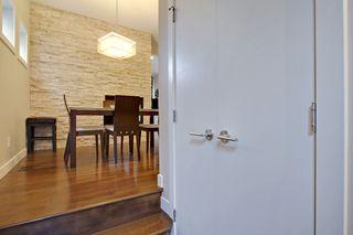 Photo 2: 2 36 Street SW in Calgary: Duplex for sale : MLS®# C3641142