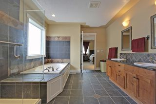 Photo 14: 147 Discovery Ridge Way SW in Calgary: 2 Storey for sale : MLS®# C3618170