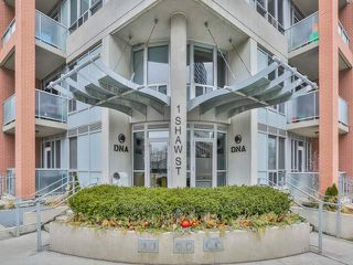 Photo 2: 1028 1 Shaw Street in Toronto: Niagara Condo for sale (Toronto C01)  : MLS®# C3736286