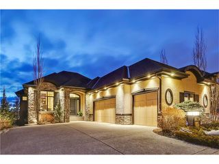 Main Photo: 54 DISCOVERY VISTA Point(e) SW in Calgary: Discovery Ridge House for sale : MLS®# C4105468