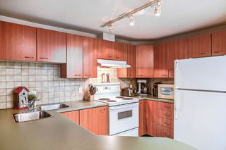 "Photo 4: A220 2099 LOUGHEED Highway in Port Coquitlam: Glenwood PQ Condo for sale in ""SHAUGHNESSY SQUARE"" : MLS®# R2177360"