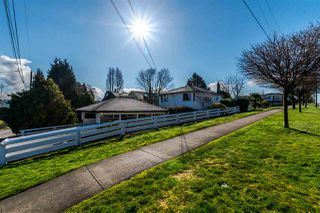Photo 2: 2905 TRINITY Street in Vancouver: Hastings East House for sale (Vancouver East)  : MLS®# R2177504