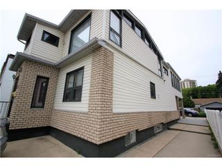 Photo 2: 1224 College Drive in Saskatoon: Varsity View Residential for sale : MLS®# SK615624