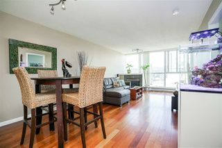 """Photo 8: 1702 235 GUILDFORD Way in Port Moody: North Shore Pt Moody Condo for sale in """"The Sinclair"""" : MLS®# R2191968"""