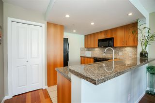 """Photo 6: 1702 235 GUILDFORD Way in Port Moody: North Shore Pt Moody Condo for sale in """"The Sinclair"""" : MLS®# R2191968"""