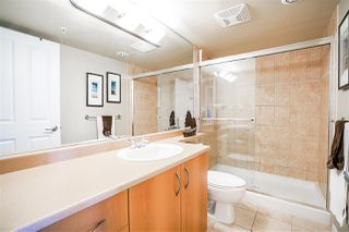 """Photo 13: 1702 235 GUILDFORD Way in Port Moody: North Shore Pt Moody Condo for sale in """"The Sinclair"""" : MLS®# R2191968"""