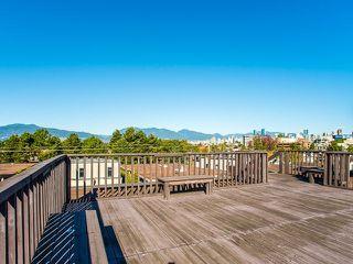"Photo 15: 202 2025 W 2ND Avenue in Vancouver: Kitsilano Condo for sale in ""The Sea Breeze"" (Vancouver West)  : MLS®# R2212885"