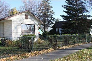 Photo 3: 117 Edward Avenue West in Winnipeg: West Transcona Residential for sale (3L)  : MLS®# 1727519