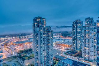 "Photo 4: 2905 3007 GLEN Drive in Coquitlam: North Coquitlam Condo for sale in ""EVERGREEN BY BOSA"" : MLS®# R2222146"