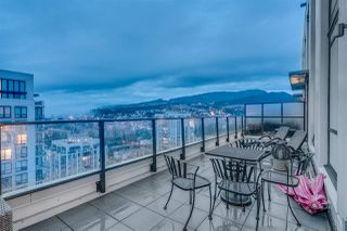 "Photo 3: 2905 3007 GLEN Drive in Coquitlam: North Coquitlam Condo for sale in ""EVERGREEN BY BOSA"" : MLS®# R2222146"