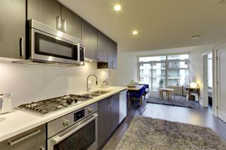 Photo 2: 516 38 W 1ST AVENUE in Vancouver: False Creek Condo for sale (Vancouver West)  : MLS®# R2222667
